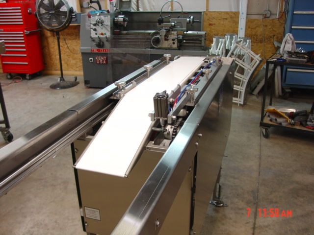 Servo Drive Shuttle Retracting Nosebar Automated Conveyor