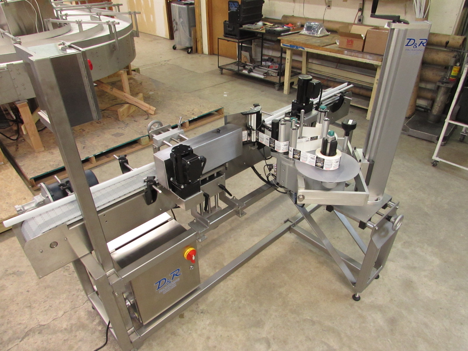 Automated labeling machine