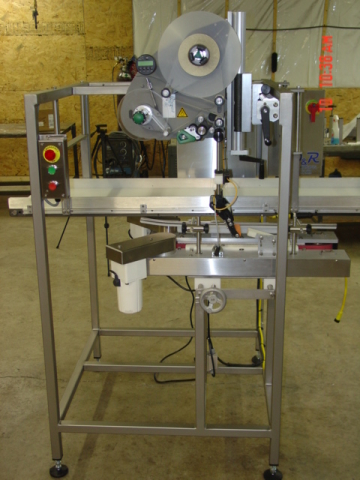 Three Panel Wrap Labeler Machine