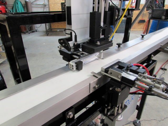 Tamp Apply Labeling Machine