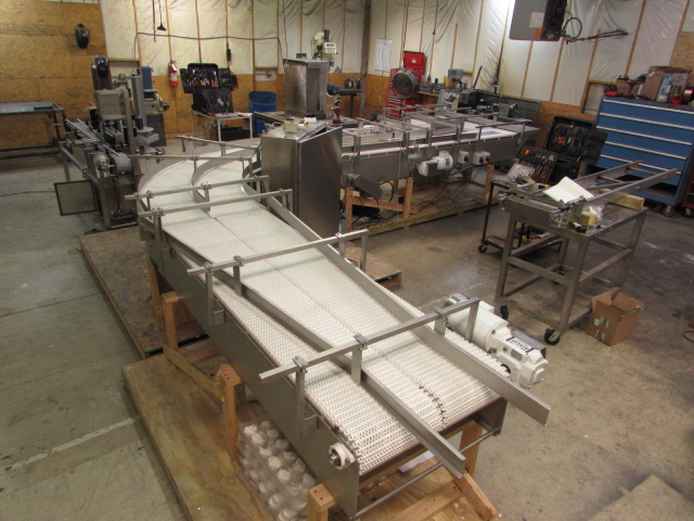 Servo drive packaging conveyors and machinery
